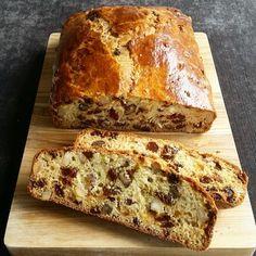 Cooking Bread, Bread Baking, Dutch Recipes, Sweet Recipes, Stollen Recipe, Banana Bread Cake, Carrot Cake, Bistro Food, Bread Bun