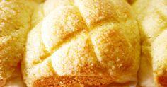 スクエア型に入れて焼いたら、コロンと可愛いキューブ型のメロンパンが出来ました~! HBパン生地は、ふわもち食感ですよ♡