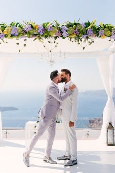 Glam and Sparkle Wedding at Santorini Gem - StudioPhosart Cute Gay Couples, Couples In Love, Istanbul, Men Kissing, Lgbt Love, Sparkle Wedding, Lesbian Wedding, Couple Photography Poses, Wedding Photos