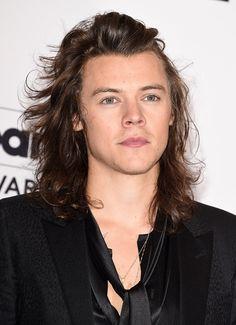 Harry Styles Seen Kissing Model Sara Sampaio? 'One Direction' Singer Sparks Dating Rumors With Another Victoria's Secret Model