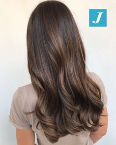 Simply the Best Hair Shades for Brunettes Brown Hair Tones, Brown Hair Balayage, Brown Hair Colors, Hair Highlights, Subtle Highlights, Bayalage, Brunette Hair, Dark Hair, Red Hair