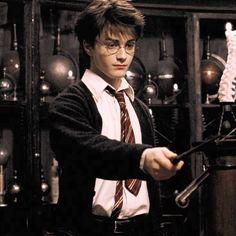 Harry Potter and the Prisoner of Azkaban Arte Do Harry Potter, Harry Potter Icons, Harry James Potter, Harry Potter Pictures, Harry Potter Aesthetic, Harry Potter Cast, Harry Potter Quotes, Harry Potter Characters, Harry Potter Universal