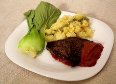 Stek w sosie rabarbarowym