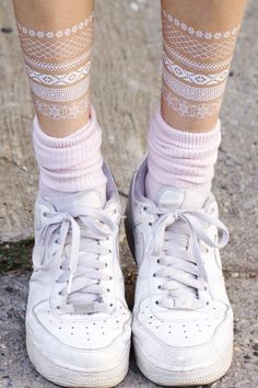 White Bracelets Set // Set Brazaletes Blancos