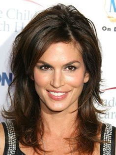 Cindy Crawford always looks amazing -- but we especially love her layered look here. Such amazing volume!