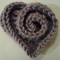 FREE PATTERN:  Rosy Heart Applique