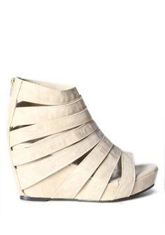Platform Wedges by Bennet Best http://media-cache2.pinterest.com/upload/283445370267694676_QPDH9RwA_f.jpg compai dress my feet
