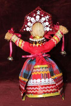 """Куклу """"Благодать"""" делали на святки к Рождеству и дарили со словами: """"Не грусти, не унывай, рук не опускай""""."""