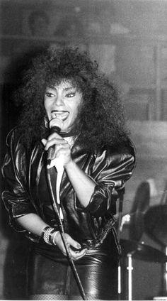 Elza Soares fala sobre feminismo, o amor por Garrincha e como cantar ainda é remédio bom Brazil Music, Brazilian Women, Lets Dance, Black Power, Mariah Carey, Samba, Art Music, Powerful Women, Musical