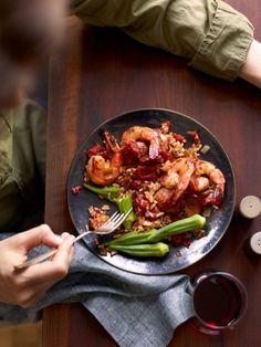 Shrimp and Kielbasa Jambalaya (leave off that nasty okra! Yes, I have an okra phobia) Good Healthy Recipes, Ww Recipes, Skinny Recipes, Healthy Foods To Eat, Fish Recipes, Seafood Recipes, Healthy Eating, Amazing Recipes, Prawn Recipes