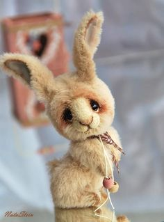 Meet 'Milenok', a rabbit from Germany. Very cute....!! For details click: http://www.teddy-talk.com/viewtopic.php?id=48237