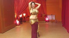 Chorégraphie de drum solo, aussi appelée Tabla, de danse orientale. Drum Solo, Dance Choreography, Belly Dance, Two Piece Skirt Set, Skirts, Dresses, Fashion, Boards, Vestidos