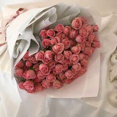 Luxury Flowers, My Flower, Beautiful Flowers, Flower Bouqet, Beautiful Flower Arrangements, Floral Arrangements, Pink Roses, Pink Flowers, Flowers Nature