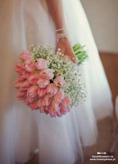 Niebanalne bukiety ślubne z tulipanów