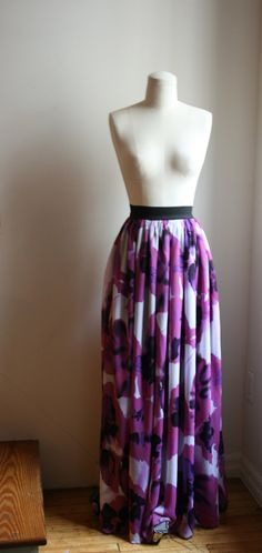 Aline Chiffon Maxi Skirt , so cute!! I would love to wear this!