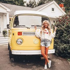 Volkswagen Minibus, Vw T1, Volkswagen Transporter, Volkswagen Beetles, Volkswagen Golf, My Dream Car, Dream Cars, Fashion Trends 2018, Fashion 2018
