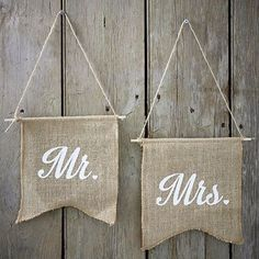 Vintage wedding ❤  #mr #mrs #toiledejute #vintage #boho #burlap #mariage #weddingdecor #mariagechampetre #decorationmariage #fanion #newcollection #love #mrandmrs #savethedeco