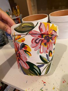 Intro To Art, Terracotta Flower Pots, Pastel House, Painted Vases, Painting Studio, Pottery Painting, Diy Arts And Crafts, Art Techniques, Planer