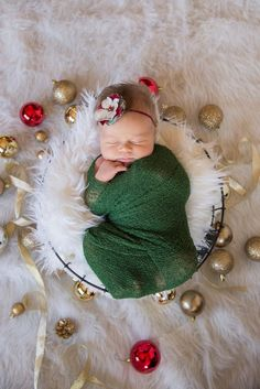 Limited Edition Red Green and Cream Christmas Baby Flower Headband, Newborn Headband, Baby Girl Flower Headband, Photography Prop Newborn Christmas Pictures, Newborn Pictures, Newborn Pics, Winter Baby Pictures, Baby Newborn, Foto Newborn, Newborn Shoot, Baby Motiv, Holiday Photography