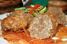 Pečené masové šišky se zelím Food Humor, Funny Food, Ground Meat Recipes, Menu, Dinner, Cooking, Ground Beef Recipes, Menu Board Design, Dining