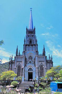 Em seguida, conhecemos a Catedral de São Pedro de Alcântara. A semelhança de nomes não é mera coincidência.