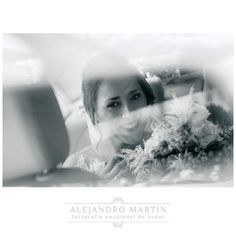 Momentos antes de salir del coche camino a la ceremonia... · · · · #wedding #bride #groom #bridesmaids #happy #happiness #unforgettable #love #forever #weddingdress #weddinggown #smiles #together #romance #marriage #weddingday #flowers #celebrate #congrats #congratulations #boda #casamento #casamentos http://gelinshop.com/ipost/1515930248582352734/?code=BUJqoeDBU9e