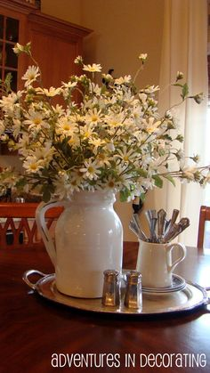 love the simplicity of this kitchen table decorationstray - Kitchen Table Centerpiece Ideas