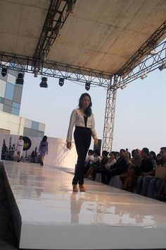 #blackandwhitejumpsuit #jumpsuit #playsuit on #catwalk at #rooftopfashion show which was #outdoorfashionshow info and order: info@dearcocotte.com Web: www.dearcocotte.com Ig: dearcocotte Fb: www.facebook.com/... #women'swear #womenwear #womenlook #fallwinterlook #winterlook #falllook #fwlook #fashionshow #runway #pencilskirt #triangularskirt #croppedtop #dress #indonesianfashionshow #fashionweek #uifw #uifashionweek #urbanstyle #streetstyle