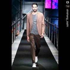 @puntoblancooficial #puntoblanco #colombia #colombiamoda #hombre #Moda #modamasculina #man #men #menstyle #menswear #mensfashion #Fashion #Shishang_Zazhi #SZReport #pasarela #Moda #estilo #Luxury #Style #runway #fashionblog #instafashion #latin #latinamerica #medellin #Medellín #blanco #white
