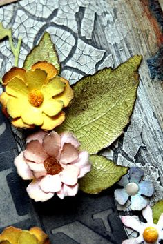 Laurart: Is it Spring yet? Is It Spring Yet, Flower Making, Art Tutorials, Mixed Media Art, Altered Art, Craft Ideas, Tags, Flowers, Plants