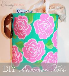 Lilly Pulitzer Inspired Crafts and Projects Crafts To Do, Easy Crafts, Easy Diy, Diy Home Decor Projects, Craft Projects, Homemade Gifts, Diy Gifts, Summer Tote Bags, Crazy Day