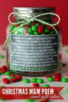 Christmas M&M Candies Gift and Poem. The FREE Printable Christmas Poem Label is perfect for so many gift ideas!: