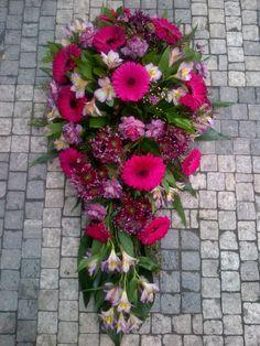 Funeral Flowers Purple - Gerbera, Eustoma, Chrysanthemum, Alstroemerie Fall Flower Arrangements, Funeral Flowers, Gerbera, Fall Flowers, Chrysanthemum, Purple, Pink, Floral Wreath, Wreaths