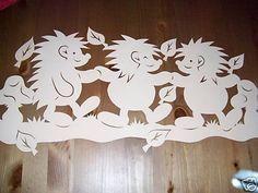 Ablakom: Őszi filigrán képek Bird Crafts, Diy And Crafts, Paper Crafts, Hedgehog Craft, Paper Cutting Templates, Butterfly Painting, Autumn Crafts, Paper Stars, Kirigami