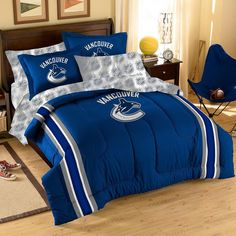 NFL Dallas Cowboys Embroidered Twin / Full Comforter Bedding Set New Full Size Comforter, Twin Comforter, Bedding Sets, Boy Bedding, Vancouver Canucks, Denver Broncos, Seattle Seahawks, Pittsburgh Steelers, Nfl Seattle