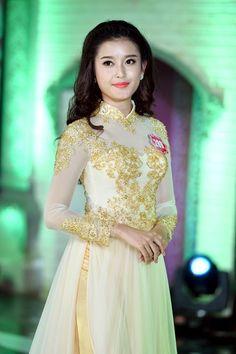 huyen my tran nguyen at DuckDuckGo Beautiful Bollywood Actress, Fantasy Wedding, Fashion Design Sketches, Beautiful Anime Girl, Prom Dresses, Formal Dresses, Ao Dai, Modern Fashion, Asian Woman