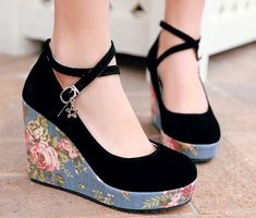 Tips on How to Choose Wedges Shoes | Hitekone