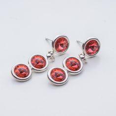Swarovski Rivoli Earrings 6/6/6mm Padparadscha  Dimensions: length: 3,2cm stone size: 6mm Weight ( silver) ~ 3,30g ( 1 pair ) Weight ( silver + stones) ~ 3,95g Metal : sterling silver ( AG-925) Stones: Swarovski Elements 1122 SS29 ( 6mm ) Colour: Padparadscha 1 package = 1 pair  Price 9 EUR Sterling Silver Earrings Studs, Diamond Earrings, Silver Jewelry, Stud Earrings, Cufflinks, Swarovski, Crystals, Stones, Colour