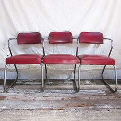 very cool barber shop bench Porch Furniture, Furniture For You, Love Chair, Chair And A Half, Vintage Chairs, Take A Seat, Mid Century Style, Classic Furniture, Cool Chairs
