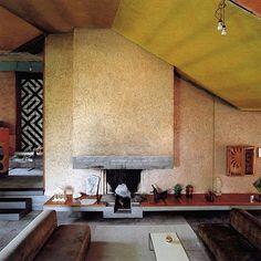 carlo scarpa - bolzano - seen the house, even nicer in person. Carlo Scarpa, Architecture Details, Interior Architecture, Interior And Exterior, Sendai, Vintage Interiors, Interiores Design, Cheap Home Decor, Interior Inspiration