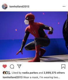 Funny Marvel Memes, Marvel Jokes, Stupid Funny Memes, Marvel Avengers, Hilarious, Tom Holland, Actors Funny, Superfamily Avengers, Superhero Memes