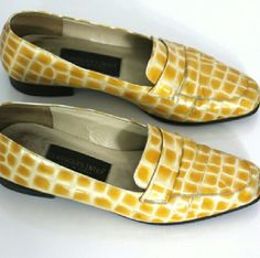 """Vintage Italian Loafers Flat Shoes 7.5 8 Super chic yellow + ivory loafer shoes. I love the color especially in this classic masculine feminine shape. Classiques Entier. Made in Italy.  No size mark. I wear size 8 with a slightly wide foot and these fit just the tiniest bit snug so I'd recommend for a size 7.5 or narrow 8. Interior toe to heel 9.75"""" 