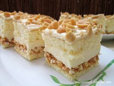 Fantastický LION zákusek - KROK ZA KROKEM Sweet Recipes, Cake Recipes, Dessert Recipes, Kolaci I Torte, Sweets Cake, Sweet And Salty, Homemade Cakes, Food Cakes, Dessert Bars