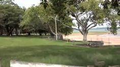 Estância Turística de Avaré   A principal atração turística de Avaré é a represa de Jurumirim, formada pelo Rio Paranapanema, a 18 km da cidade. O local é território livre para a prática de windsurf, Jet skis, banana boat, caiaques, barcos e lanchas. É possível alugar embarcações nas marinas, passear de escuna ou fazer aulas de wakebord e stand´up.
