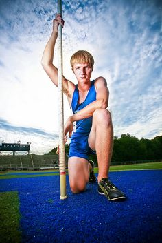 best Ideas for sport photography running pole vault Track Senior Pictures, Volleyball Pictures, Sports Pictures, Senior Photos, Senior Portraits, Family Pictures, Country Poses, Pole Vault, Sport Inspiration