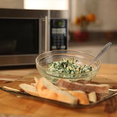 Spinach-Artichoke Dip Can Be Yours in 5 Minutes. So easy and delicious!!! Vegetarian Appetizers, Appetizer Dips, Appetizer Recipes, Dinner Recipes, Dip Recipes, Cooking Recipes, Yummy Recipes, Potato Recipes, Vegetable Recipes