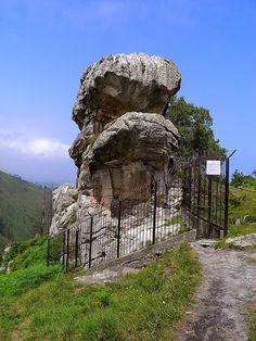 asturgeografic: Ídolo de Peña Tú. Asturias. ESPAÑA