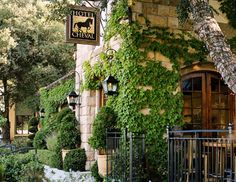 {Luxury Travel} Paso Robles Hotel Cheval  - Convenient downtown location, only 16 rooms, a fire pit with evening smores, pet friendly