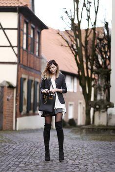 top: COS bag*: Sophie Hulme boots: even & odd cape: Mango (sale) Frohes neues Jahr! Ich hoffe, ihr habt…