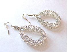Handmade Fine Silver stylish hoop earrings. Wire by KvinTal